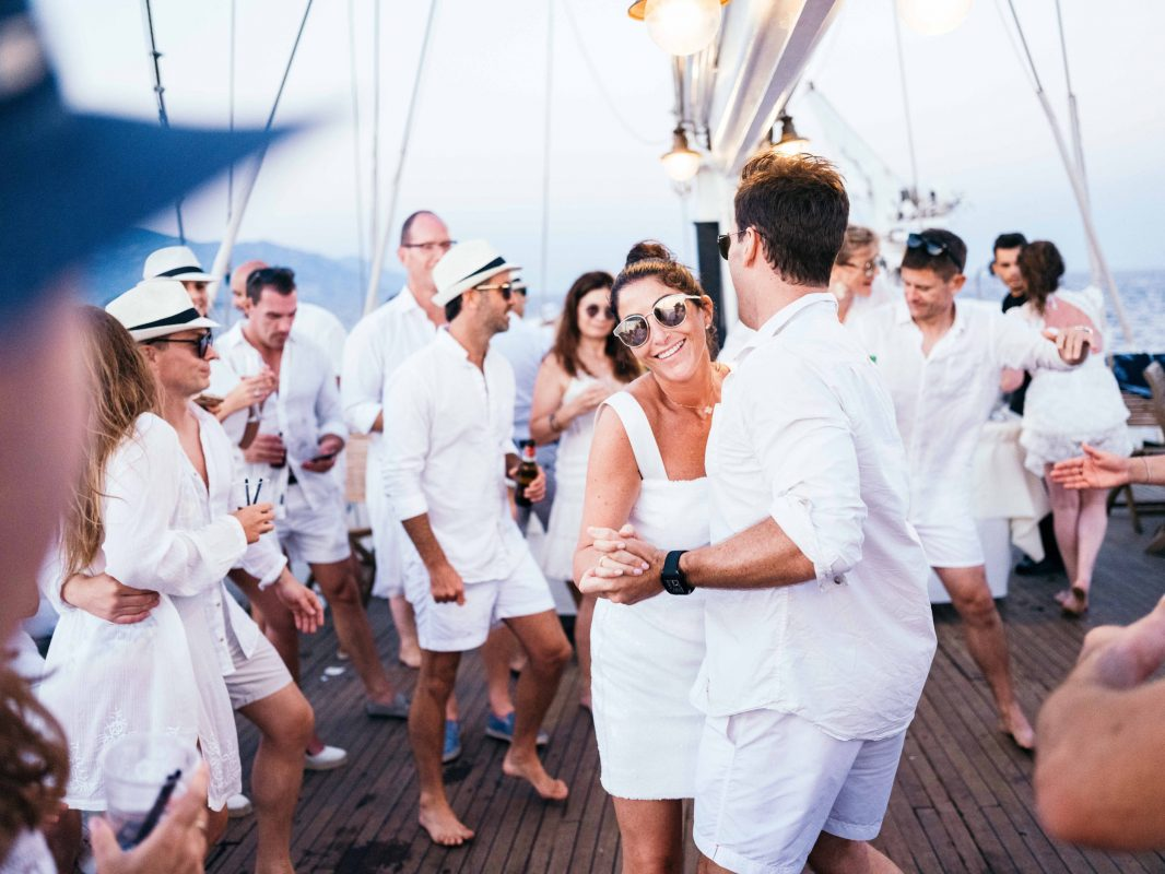 Soirée Blanche - Robe Blanche - Costume Blanc