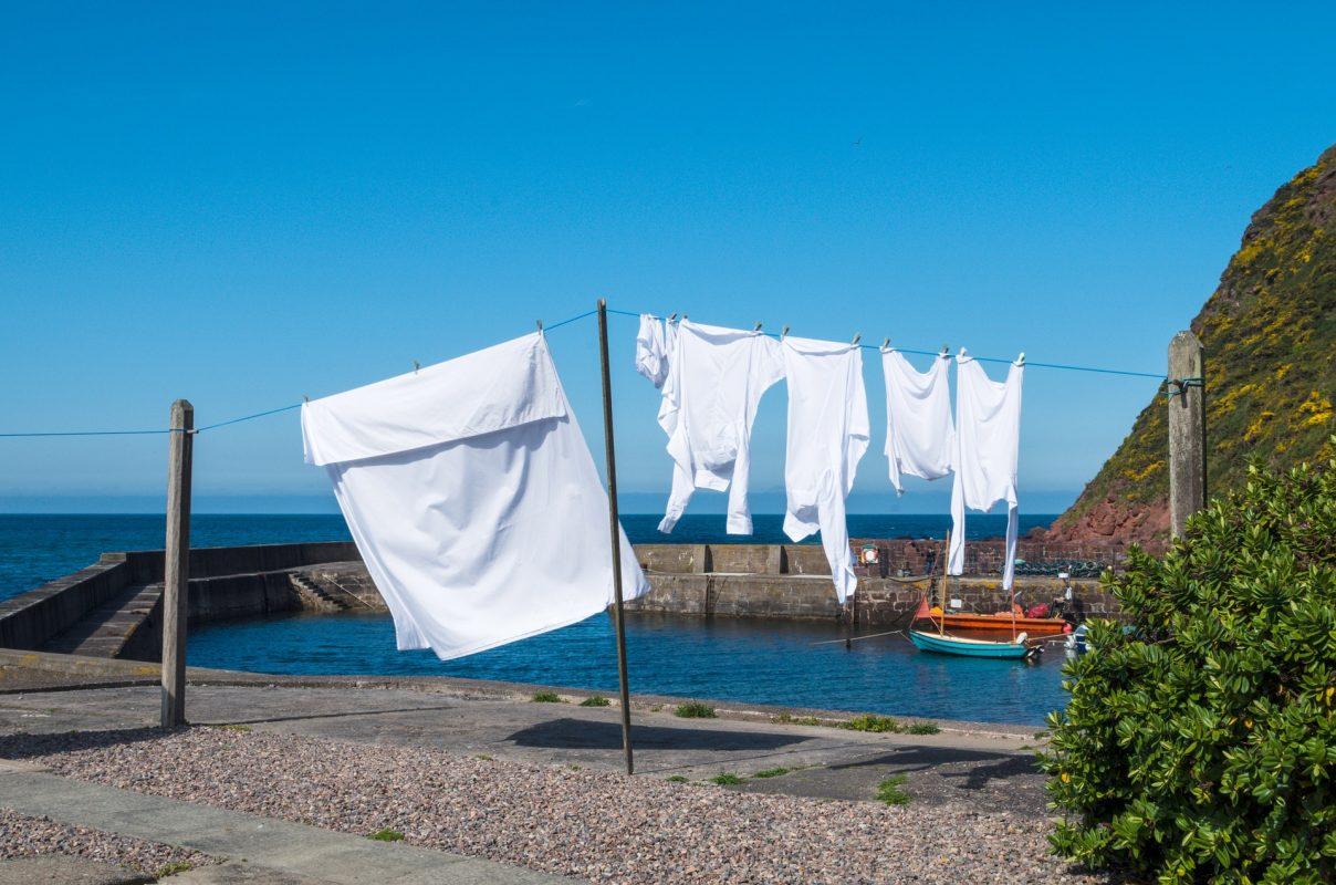 Comment blanchir un vêtement blanc ? 10 Méthodes 1 | Soirée Blanche