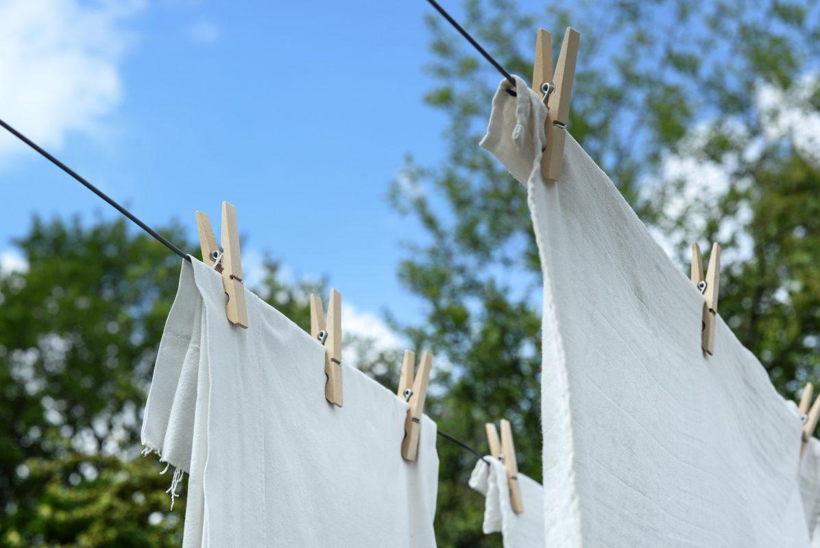 Comment blanchir un vêtement blanc ? 10 Méthodes 7 | Soirée Blanche