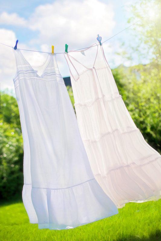 Comment blanchir un vêtement blanc ? 10 Méthodes 9 | Soirée Blanche