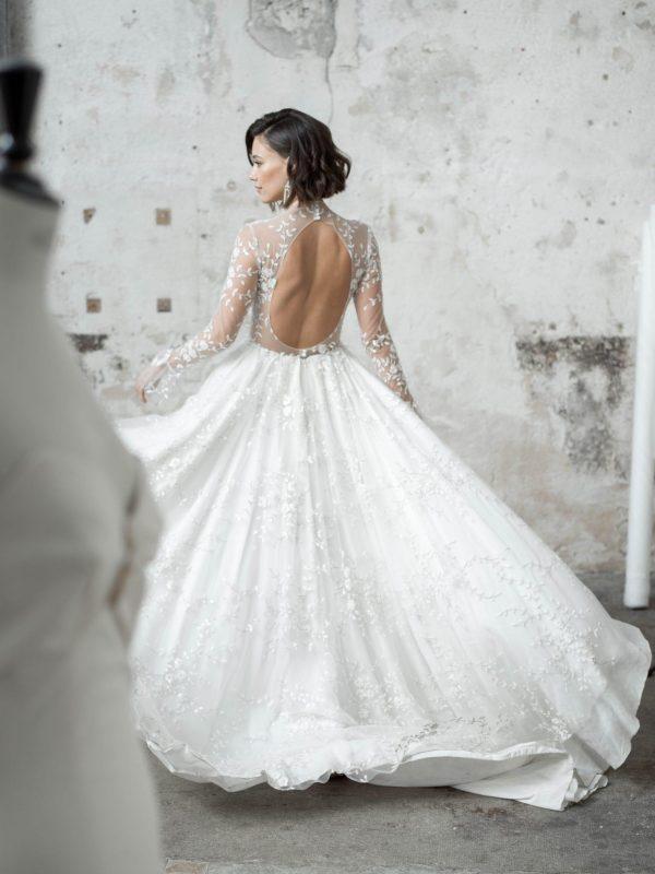 Robe De Mariée Courte Avec Traine   Soirée Blanche