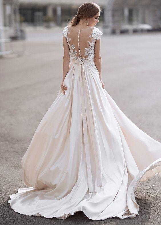 Robe De Mariée Fluide Bohème Blanche | Soirée Blanche