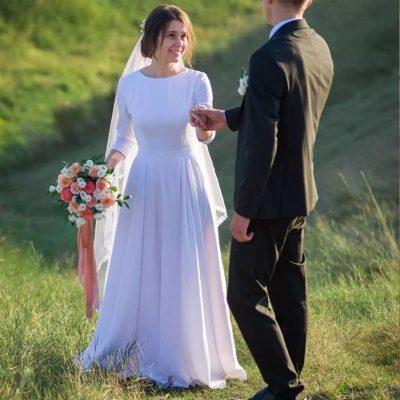 Robe De Mariée Simple Et Chic Blanche   Soirée Blanche