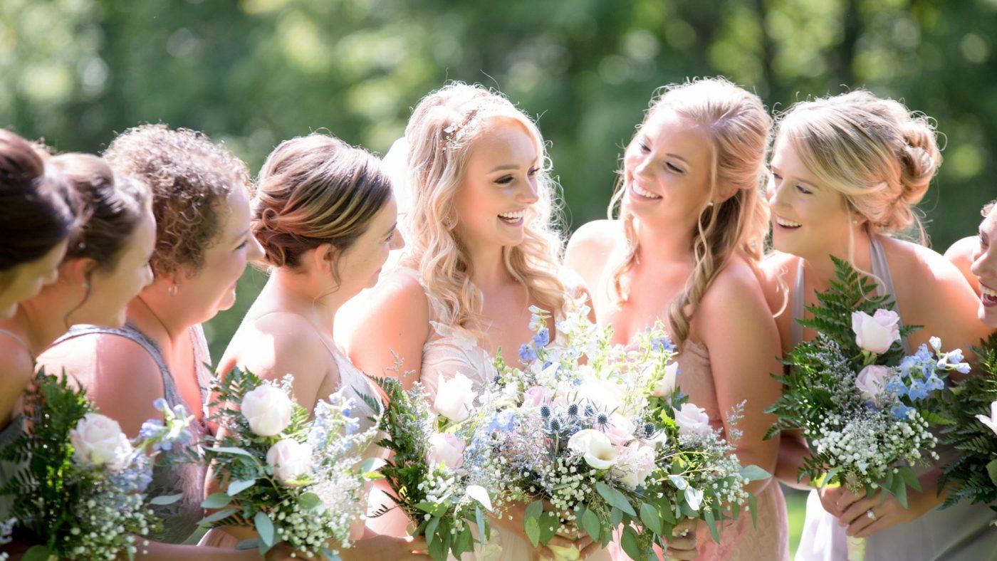 Que faire de sa robe de mariée après le mariage ? 6 astuces 2   Soirée Blanche