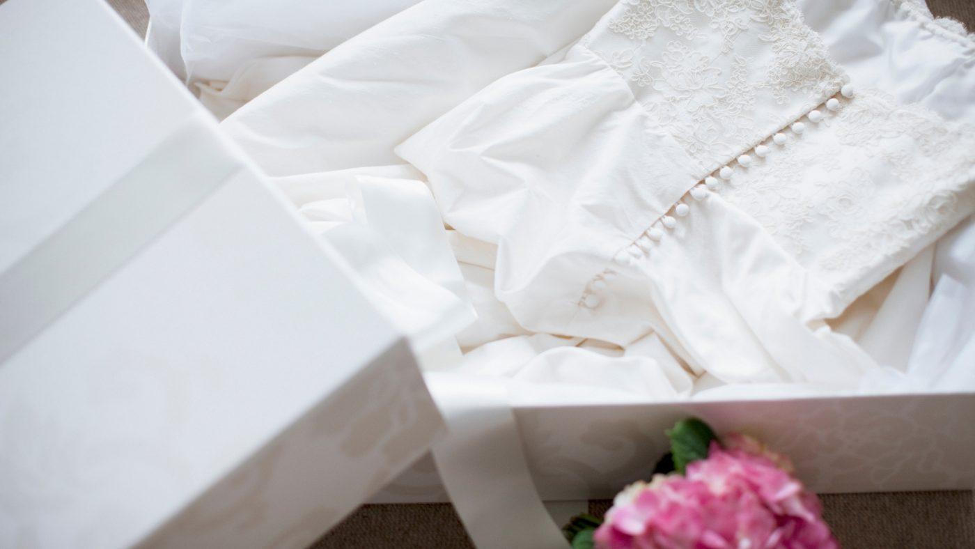Que faire de sa robe de mariée après le mariage ? 6 astuces 3   Soirée Blanche