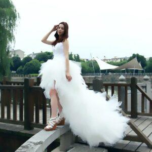 Robe De Mariée Courte A Plume Blanche   Soirée Blanche