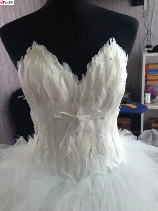 Robe De Mariée Courte A Plume Blanche | Soirée Blanche