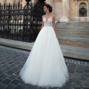 Robe De Mariée Simple Et Chic Avec Dentelle Blanche | Soirée Blanche