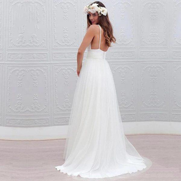 Robe de mariée très simple, pour un mariage à la mairie ou à la plage.