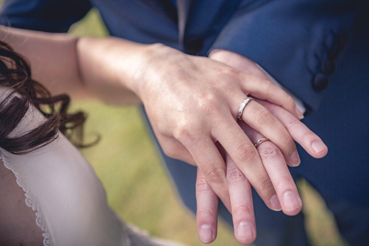 5 points à photographier le jour de votre mariage : les alliances